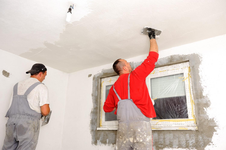 Шпаклевка потолка, как способ обновить интерьер